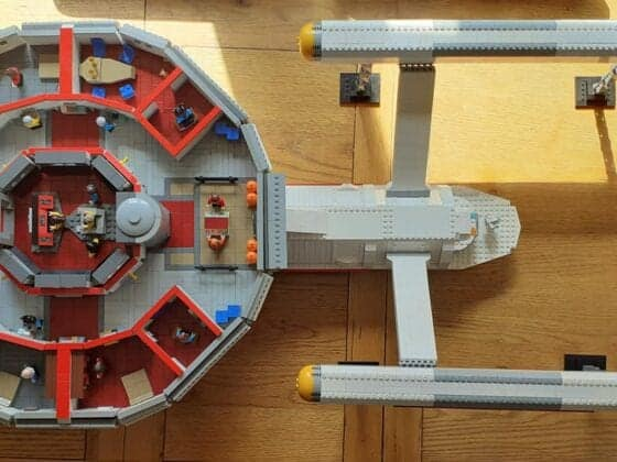 LEGO USS Enterprise1