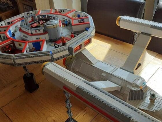 LEGO USS Enterprise10