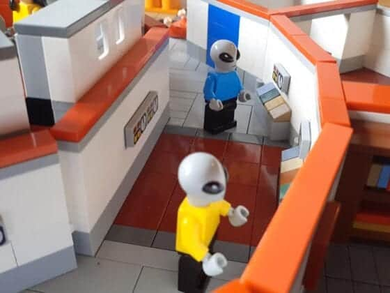 LEGO USS Enterprise14