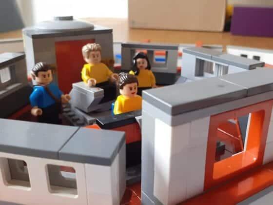 LEGO USS Enterprise17