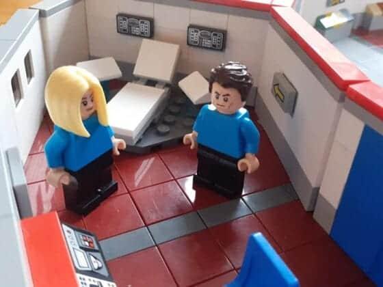 LEGO USS Enterprise18
