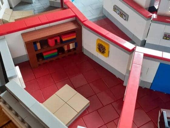 LEGO USS Enterprise21