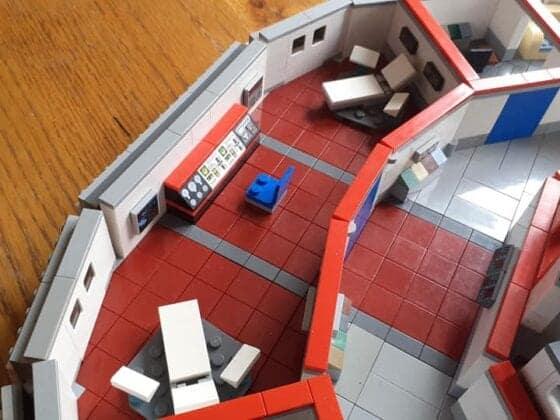 LEGO USS Enterprise23