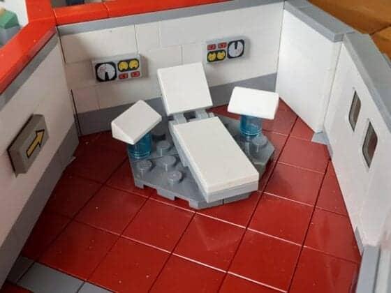 LEGO USS Enterprise24