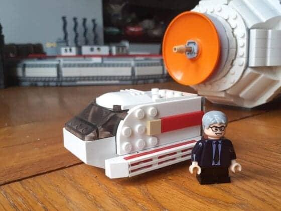 LEGO USS Enterprise31